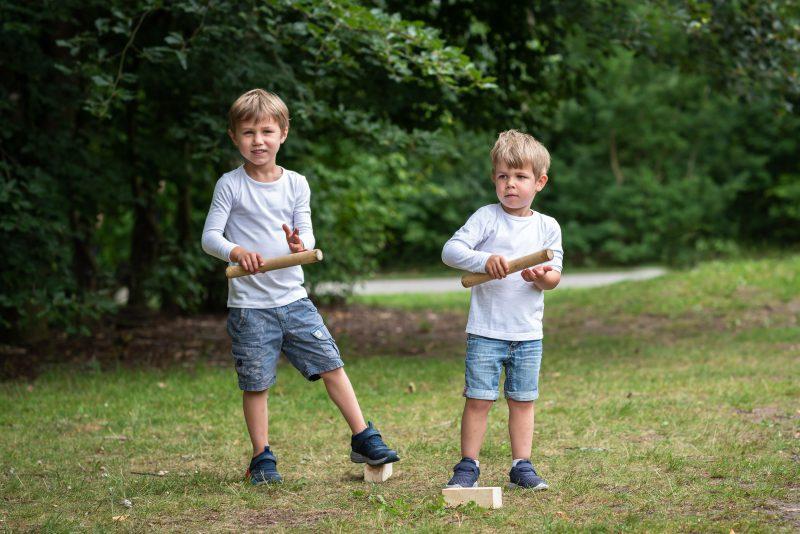 Hof van Saksen, Familie reportage, ontspannen reportage, geen geposeerd, fotograaf Assen, fotograaf Drenthe, broertjes, jongetjes
